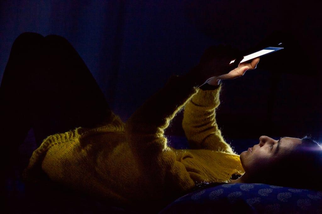 Les risques liés à l'exposition de lumière émise par les écrans