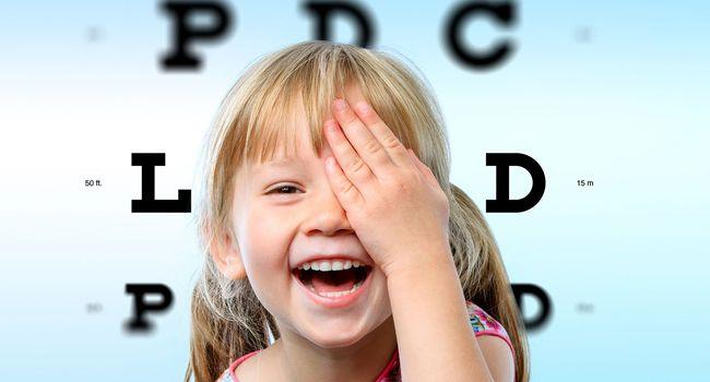Myopie : les bonnes habitudes à prendre pour retarder les troubles chez les enfants